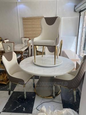White Marble Round Dining Table With 6chairs | Furniture for sale in Lagos State, Lekki