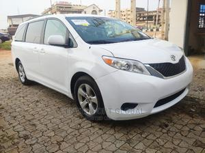 Toyota Sienna 2013 LE AWD 7-Passenger White | Cars for sale in Lagos State, Isolo
