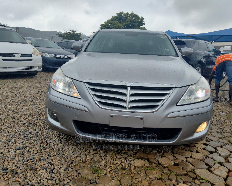Hyundai Genesis 2011 3.8 Gray