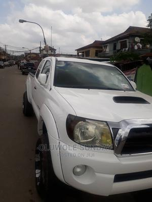 Toyota Tacoma 2008 4x4 Double Cab White | Cars for sale in Lagos State, Shomolu