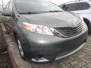 Toyota Sienna 2010 LE 8 Passenger Gray | Cars for sale in Lagos State, Lekki