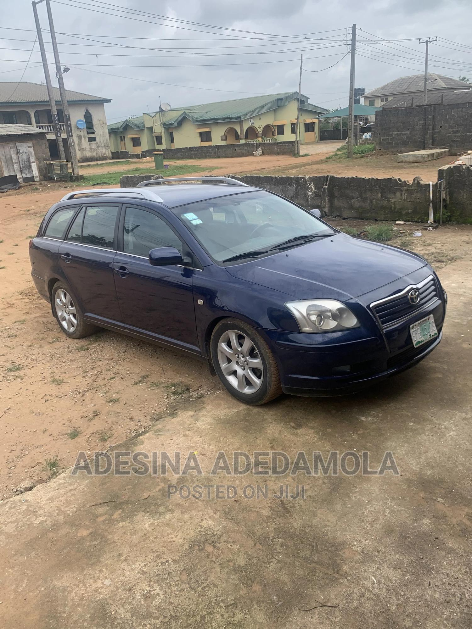 Toyota Avensis 2004 Liftback Blue | Cars for sale in Ajah, Lagos State, Nigeria