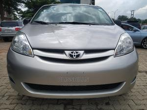 Toyota Sienna 2006 LE AWD Gold | Cars for sale in Abuja (FCT) State, Central Business District