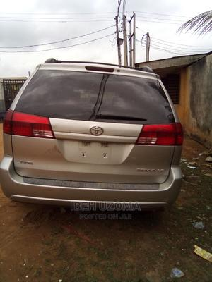 Toyota Sienna 2004 LE AWD (3.3L V6 5A) Silver | Cars for sale in Lagos State, Alimosho