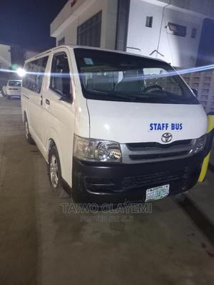 Toyota Hilux 2010 2.7 Vvt-i 4X4 SRX White | Buses & Microbuses for sale in Lagos State, Abule Egba