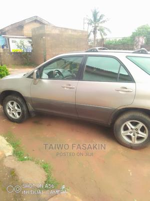 Lexus RX 2002 300 2WD Gold | Cars for sale in Lagos State, Alimosho