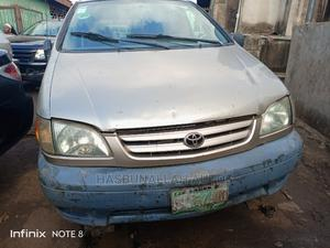 Toyota Sienna 2001 LE Gold | Cars for sale in Lagos State, Abule Egba