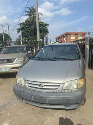 Toyota Sienna 2002 LE Silver | Cars for sale in Lagos State, Ifako-Ijaiye