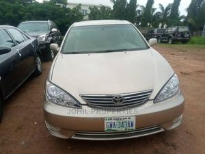 Toyota Camry 2005 Gold   Cars for sale in Abuja (FCT) State, Mabushi