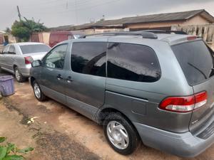 Toyota Sienna 2002 LE Green | Cars for sale in Lagos State, Ikorodu