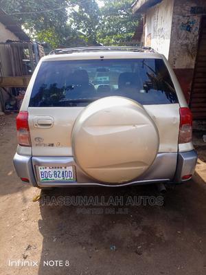 Toyota RAV4 2002 Automatic Gold | Cars for sale in Lagos State, Ifako-Ijaiye