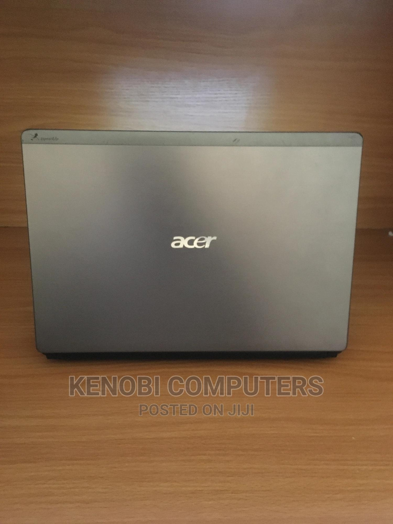 Archive: Laptop Acer Aspire 3820T 4GB Intel Core I3 HDD 320GB