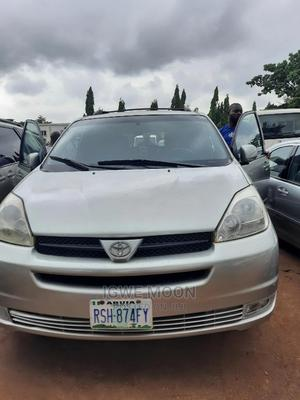 Toyota Sienna 2005 LE AWD Gold | Cars for sale in Abuja (FCT) State, Central Business District