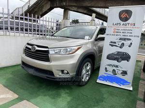 Toyota Highlander 2014 Gold   Cars for sale in Lagos State, Ilupeju