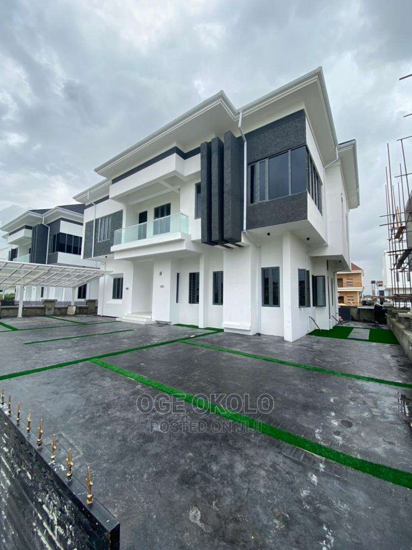 5bdrm Mansion in Osapa London for Sale