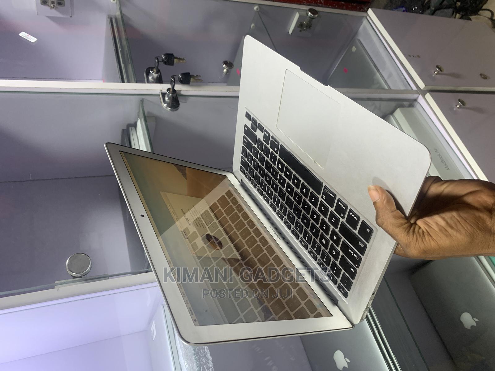 Laptop Apple MacBook Air 2012 4GB Intel Core I5 SSD 128GB | Laptops & Computers for sale in Ikeja, Lagos State, Nigeria