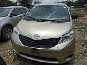 Toyota Sienna 2012 Gold | Cars for sale in Abuja (FCT) State, Jabi