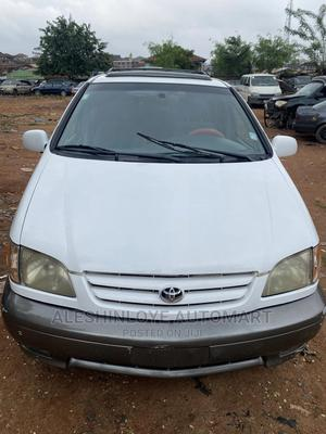 Toyota Sienna 2002 LE White | Cars for sale in Oyo State, Ibadan