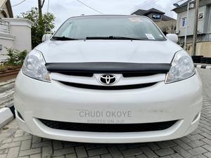 Toyota Sienna 2008 XLE White   Cars for sale in Lagos State, Amuwo-Odofin