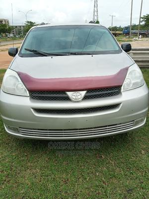 Toyota Sienna 2004 Silver   Cars for sale in Abuja (FCT) State, Gaduwa