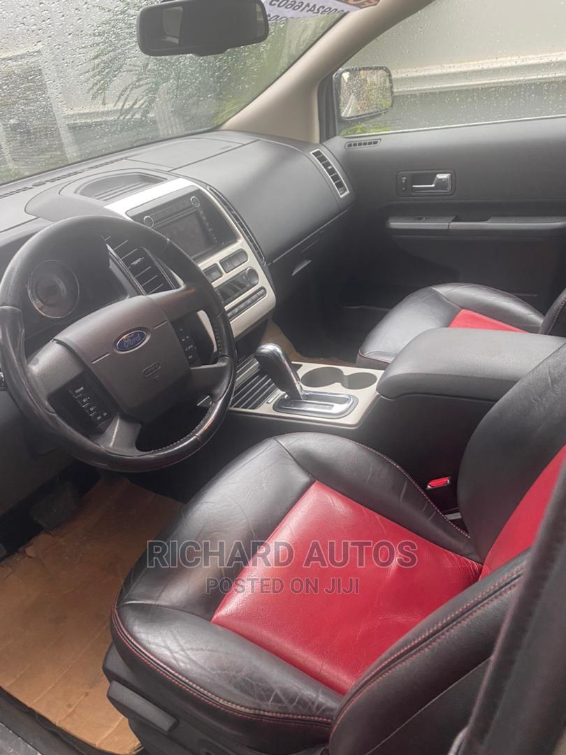 Archive: Ford Edge 2009 Silver
