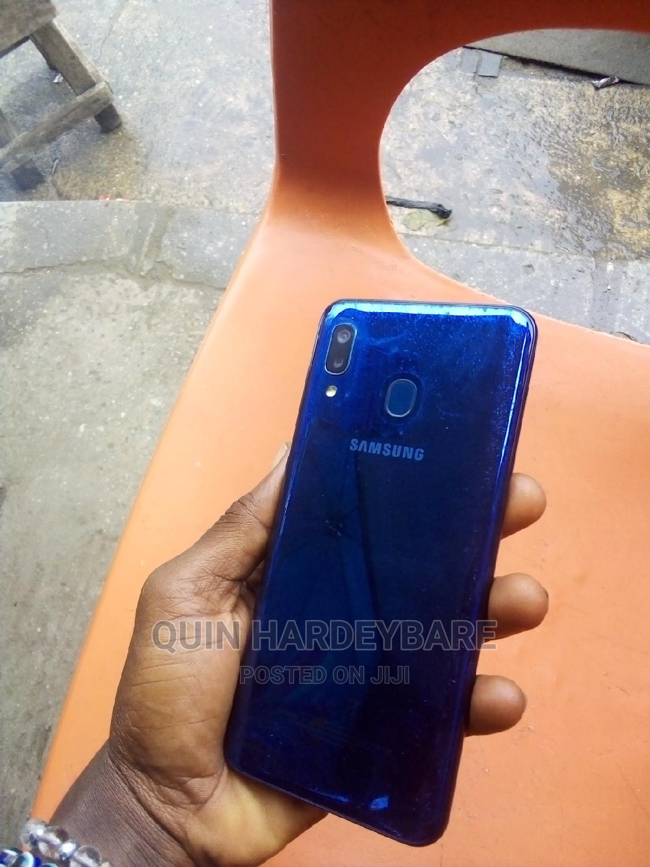 Archive: Samsung Galaxy A20 32 GB Blue