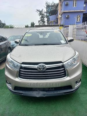 Toyota Highlander 2014 Gold   Cars for sale in Lagos State, Maryland