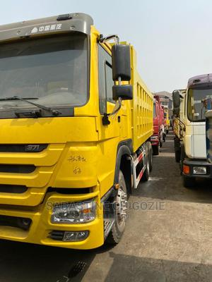 Brand New, Tokunbo, Used 45 Tons 10 12 Tyres Howo Trucks. | Trucks & Trailers for sale in Lagos State, Gbagada