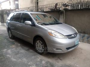 Toyota Sienna 2009 LE AWD Gray   Cars for sale in Imo State, Owerri
