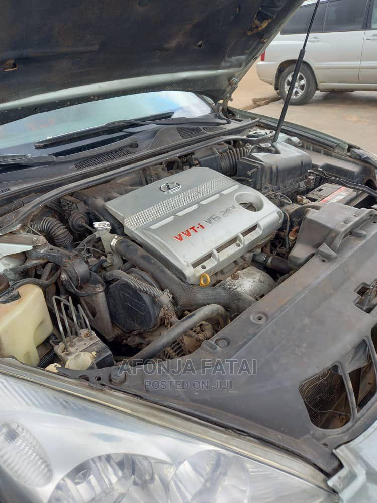 Archive: Lexus ES 2004