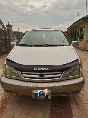 Toyota Sienna 2002 XLE Gold   Cars for sale in Edo State, Benin City