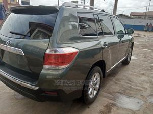 Toyota Highlander 2013 2.7L 2WD Green | Cars for sale in Lagos State, Ojodu