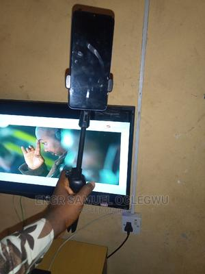 Portable Selfie Stick With Solid Stand.. Bluetooth Control | Accessories for Mobile Phones & Tablets for sale in Benue State, Makurdi