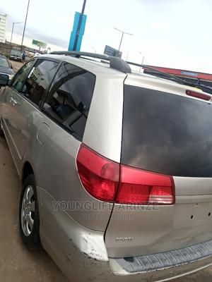 Toyota Sienna 2005 LE AWD Silver | Trucks & Trailers for sale in Lagos State, Ikeja