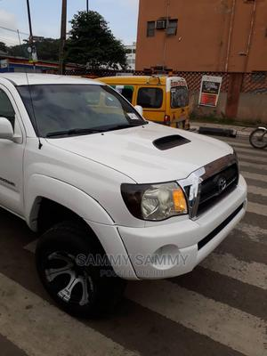 Toyota Tacoma 2006 Access Cab White | Cars for sale in Lagos State, Alimosho