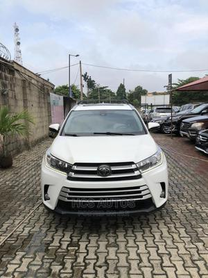 Toyota Highlander 2018 XLE 4x4 V6 (3.5L 6cyl 8A) White | Cars for sale in Lagos State, Magodo
