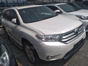 Toyota Highlander 2013 Limited 3.5L 2WD White | Cars for sale in Lagos State, Ajah