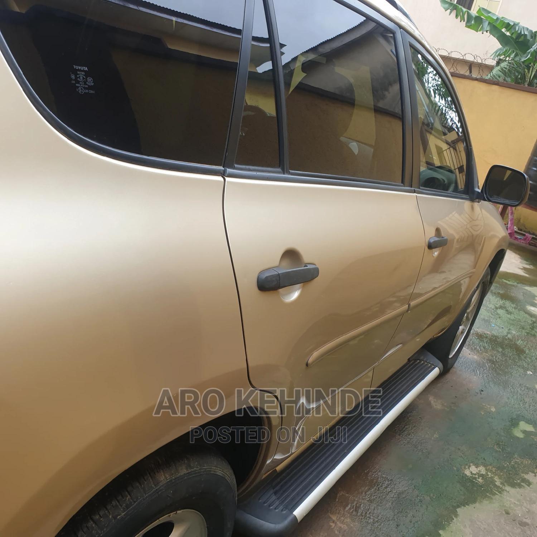 Archive: Toyota RAV4 2010 Gold