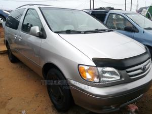 Toyota Sienna 2002 XLE Silver | Cars for sale in Lagos State, Apapa