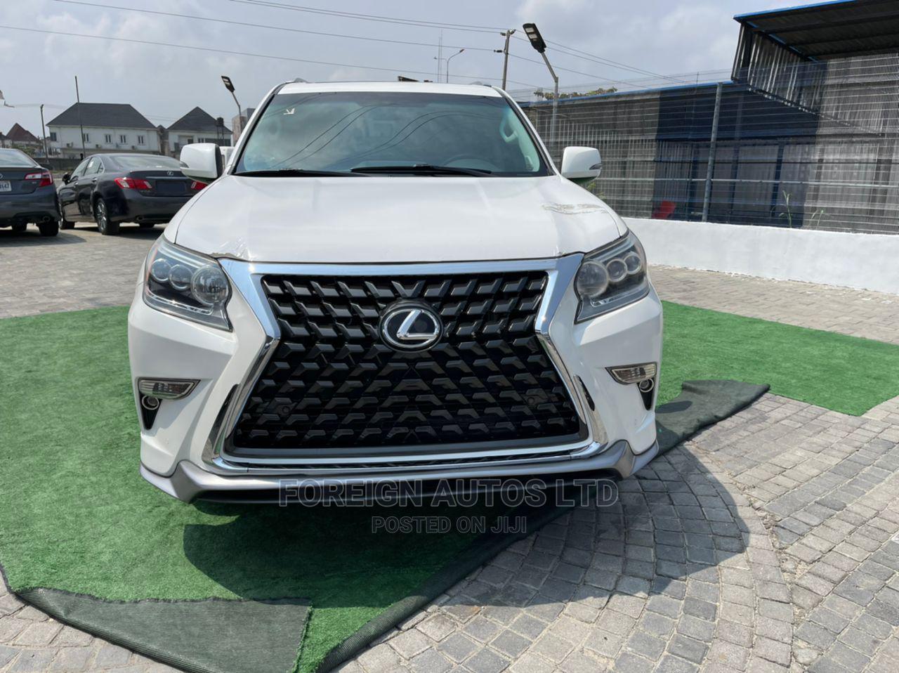 Lexus GX 2017 Silver