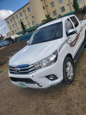 Toyota Hilux 2012 2.5 D-4d 4X4 SRX White   Cars for sale in Abuja (FCT) State, Gudu
