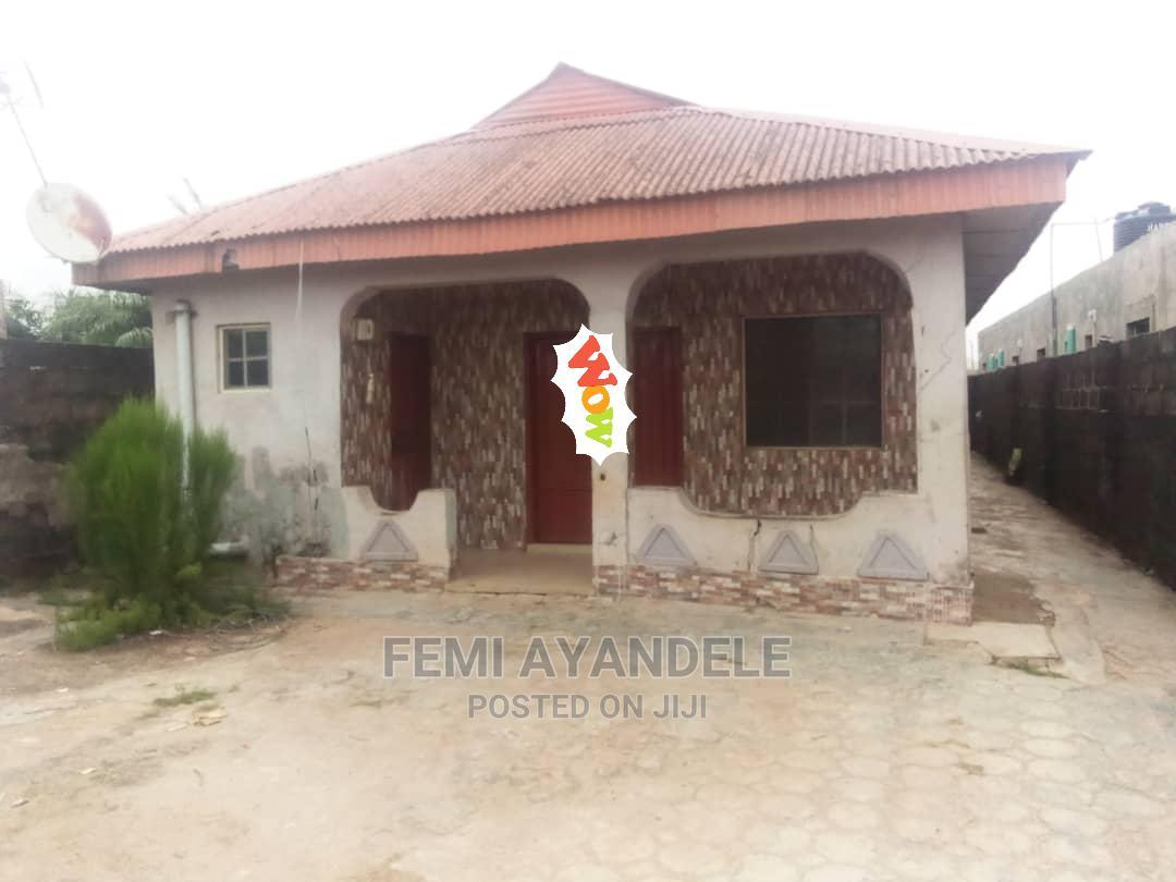 Furnished 6bdrm Bungalow in Fashola Estate, Ikorodu for Sale
