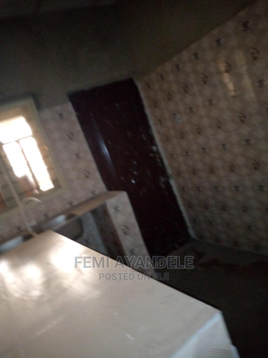Furnished 6bdrm Bungalow in Fashola Estate, Ikorodu for Sale   Houses & Apartments For Sale for sale in Ikorodu, Lagos State, Nigeria