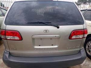 Toyota Sienna 2001 CE Gold   Cars for sale in Lagos State, Alimosho