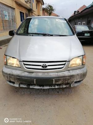 Toyota Sienna 2002 LE Silver | Cars for sale in Lagos State, Isolo