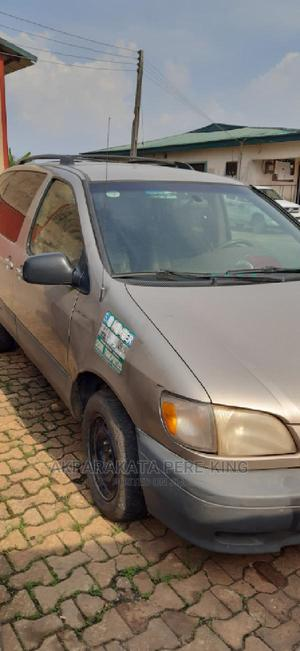 Toyota Sienna 1999 XLE Gold   Cars for sale in Bayelsa State, Yenagoa