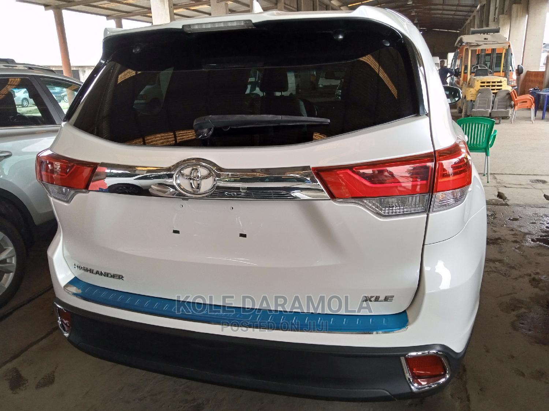 Toyota Highlander 2015 White | Cars for sale in Apapa, Lagos State, Nigeria
