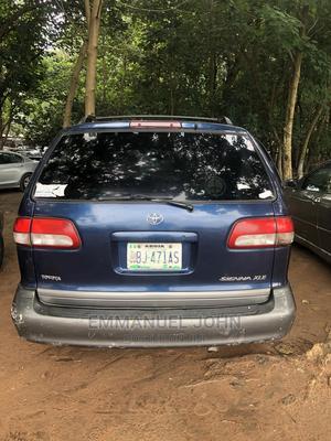Toyota Sienna 2000 CE & 1 Hatch Green | Cars for sale in Abuja (FCT) State, Gaduwa