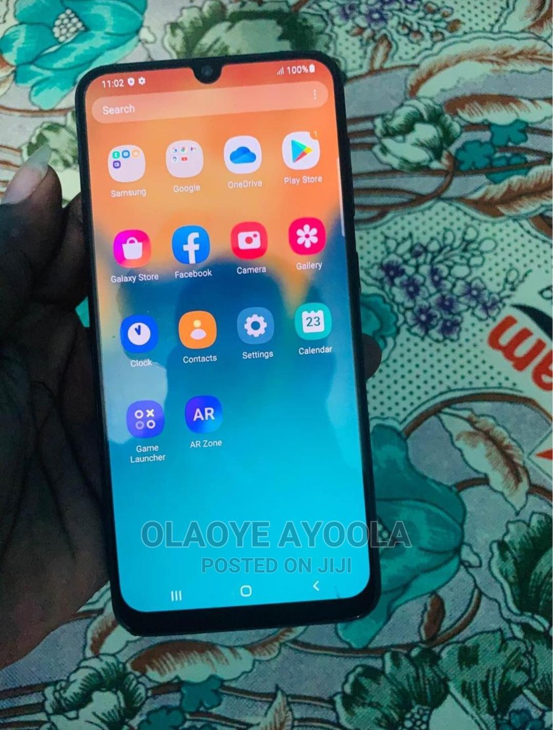 Archive: Samsung Galaxy A30 64 GB Blue