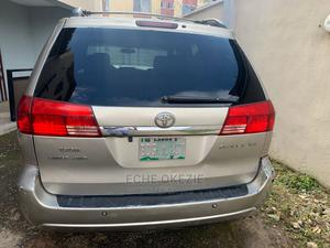 Toyota Sienna 2007 XLE Gold   Cars for sale in Lagos State, Alimosho